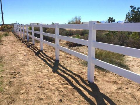 Ranch Rail Vinyl Fence Oak Hills