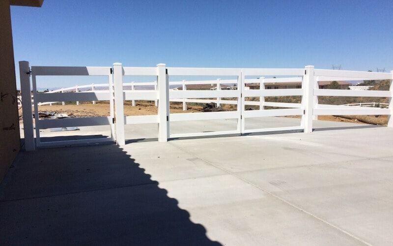 ranch style vinyl gate