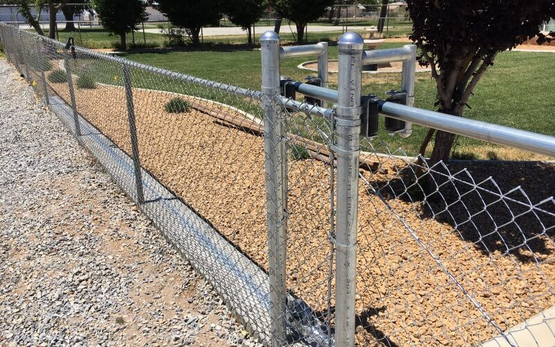 chain link roller gate and fencing