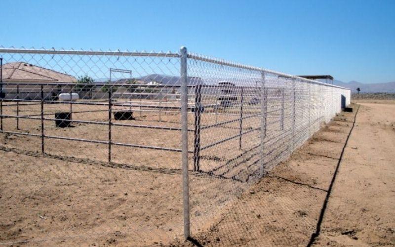 Straight fence